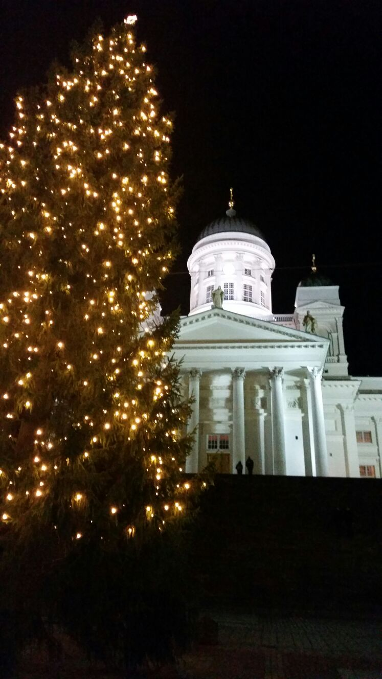Tuomiokirkko and Christmas tree